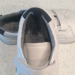 GAP Factory Shoes - GAP Kids Classic sneaker